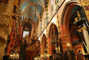 1280pxst_marys_church_krakow_inside